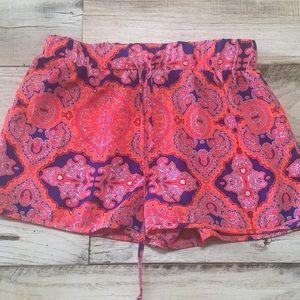 Gianni Bini patterned shorts
